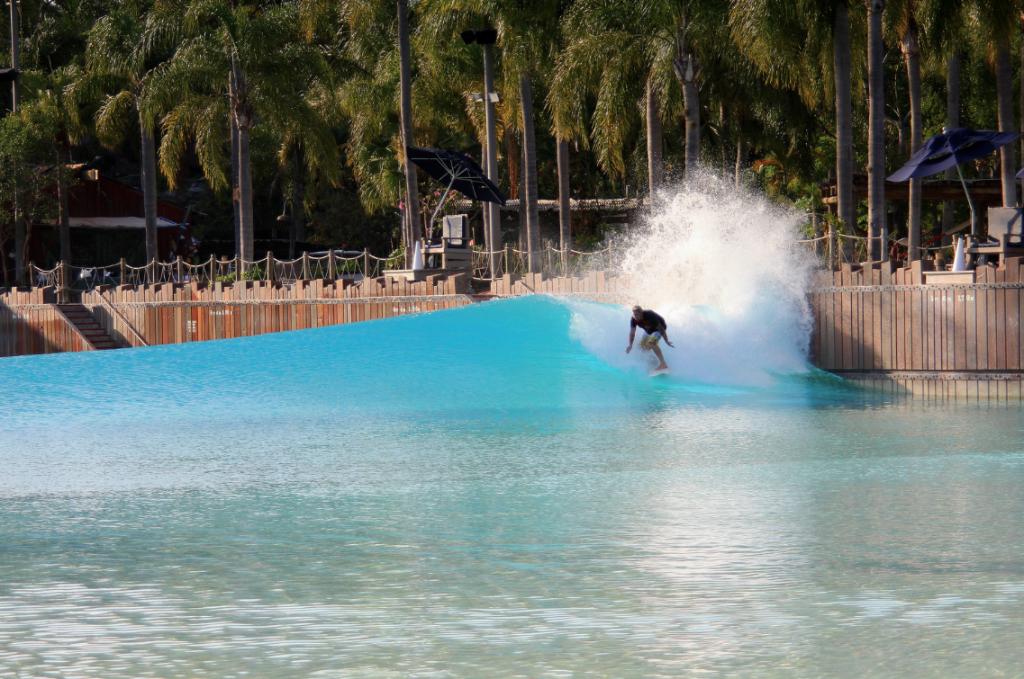 Disney Typhoon Lagoon Wave Pool Surf Park
