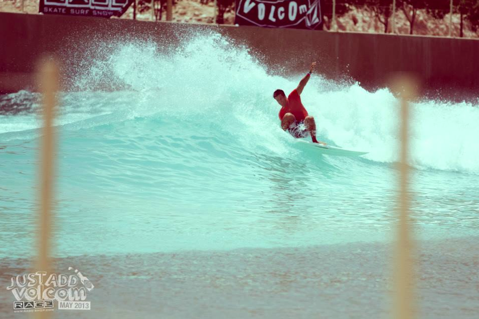 Frontside Hack Red   Volcom Surf & Skate Jam 2013   Wadi Adventure Wave Pool