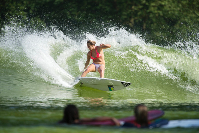 Steph Gilmore and Roxy Girls Invade Wavegarden prototype in Spain during Roxy Pro