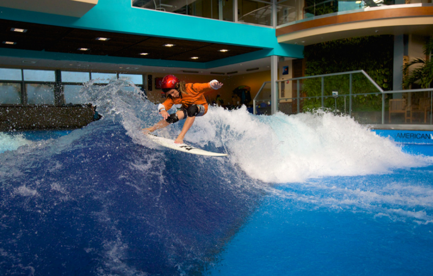 Robbie Goodwin surfing on the SurfStream by American Wave Machines | Surf Park Central